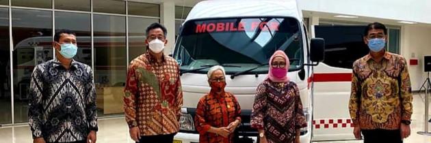 Hino Memberi Bantuan 1 Unit Minibus kepada YPAC Nasional